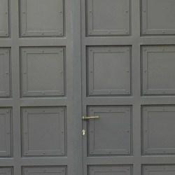 שערים מברזל לגינה בשילוב זכוכית או עץ