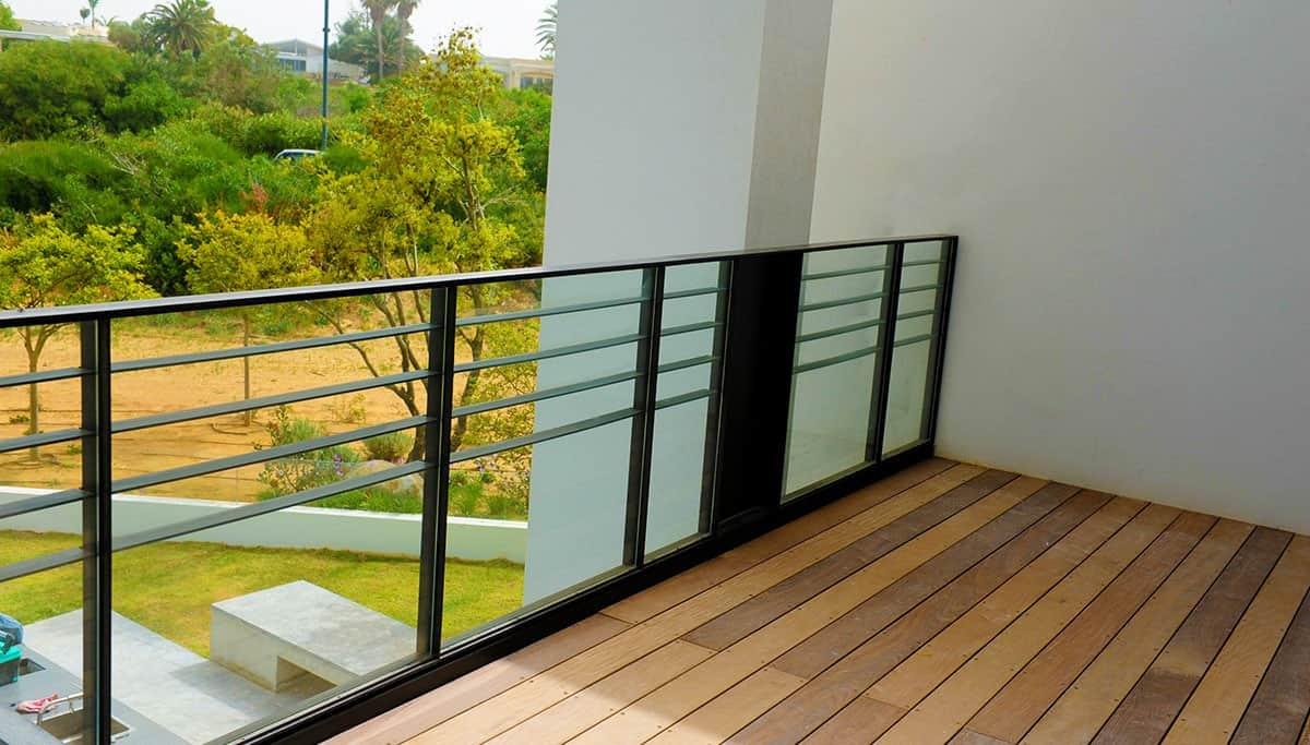 מעקות ברזל מעוצבות למרפסת