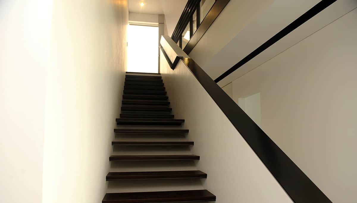 מדרגות ברזל ומעקות ברזל