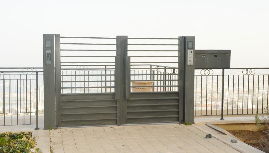 שערים חשמליים מברזל