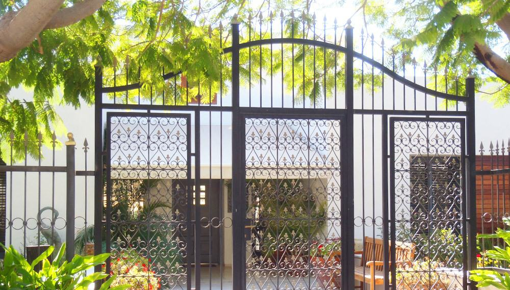שער מעוצב מברזל בית וילנר